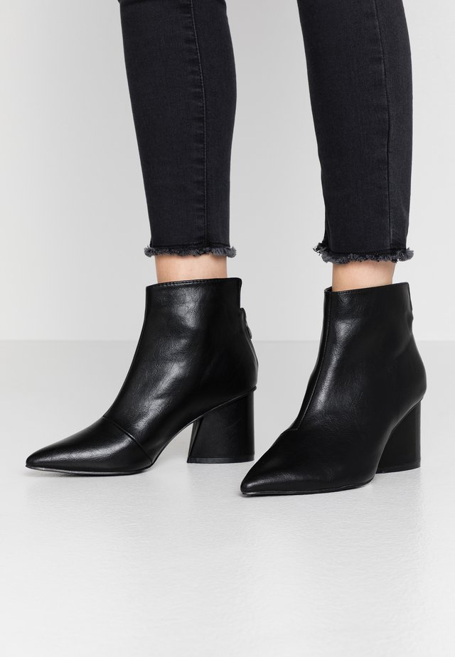 POINTED ANGUALR HEEL - Ankle boot - black