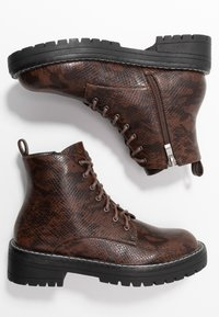 Lost Ink - CHUNKY LACE UP FLAT BOOT - Ankelstøvler - brown - 3