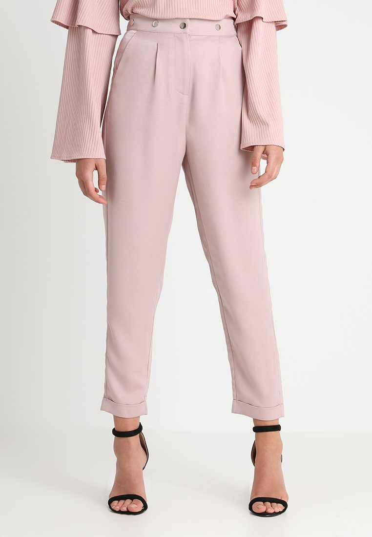Lost Ink - STUD WAIST PEG TROUSER - Trousers - light pink