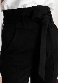 Lost Ink - HIGH WAIST TROUSERS WITH BELT - Pantalon classique - black - 4