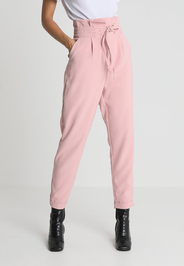 PEG TROUSER WITH DOUBLE DRAWCORD DETAIL - Trousers - light pink