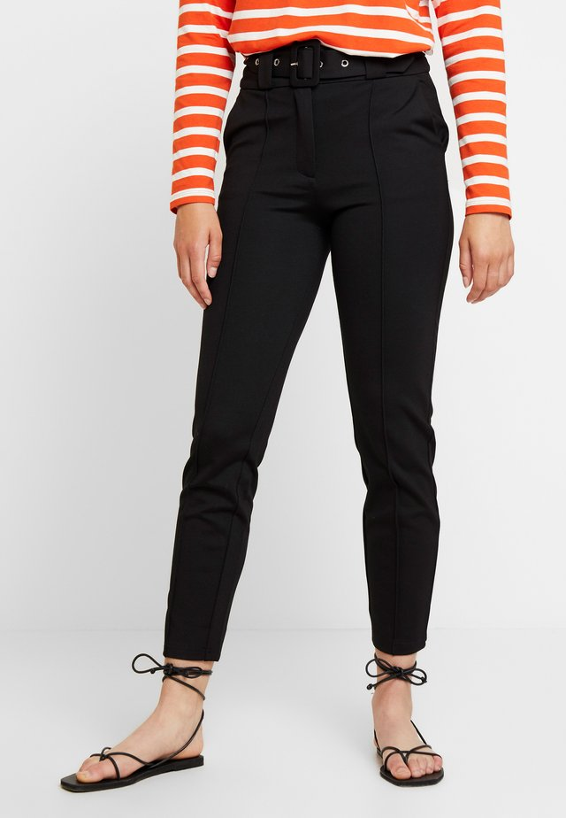 ESSENTIAL TROUSER WITH BELT - Trousers - black