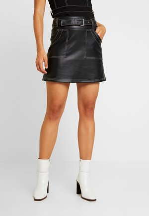 SKIRT WITH CONTRAST STITCHING - A-line skirt - black