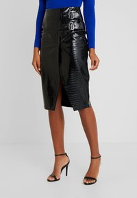 Lost Ink - PENCIL SKIRT WITH BUCKLES - Falda de tubo - black - 0