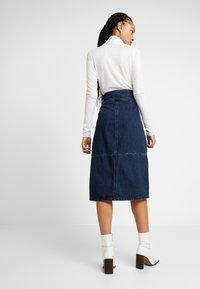Lost Ink - HIGH WAIST SEAM DETAIL A LINE MIDI SKIRT - A-line skirt - dark denim - 2