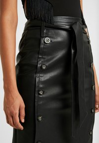 Lost Ink - BUTTON FRONT MIDI SKIRT - Pencil skirt - black