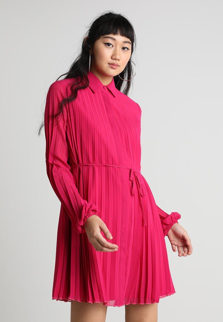 Lost Ink - PLEATED DRESS - Shirt dress - pink