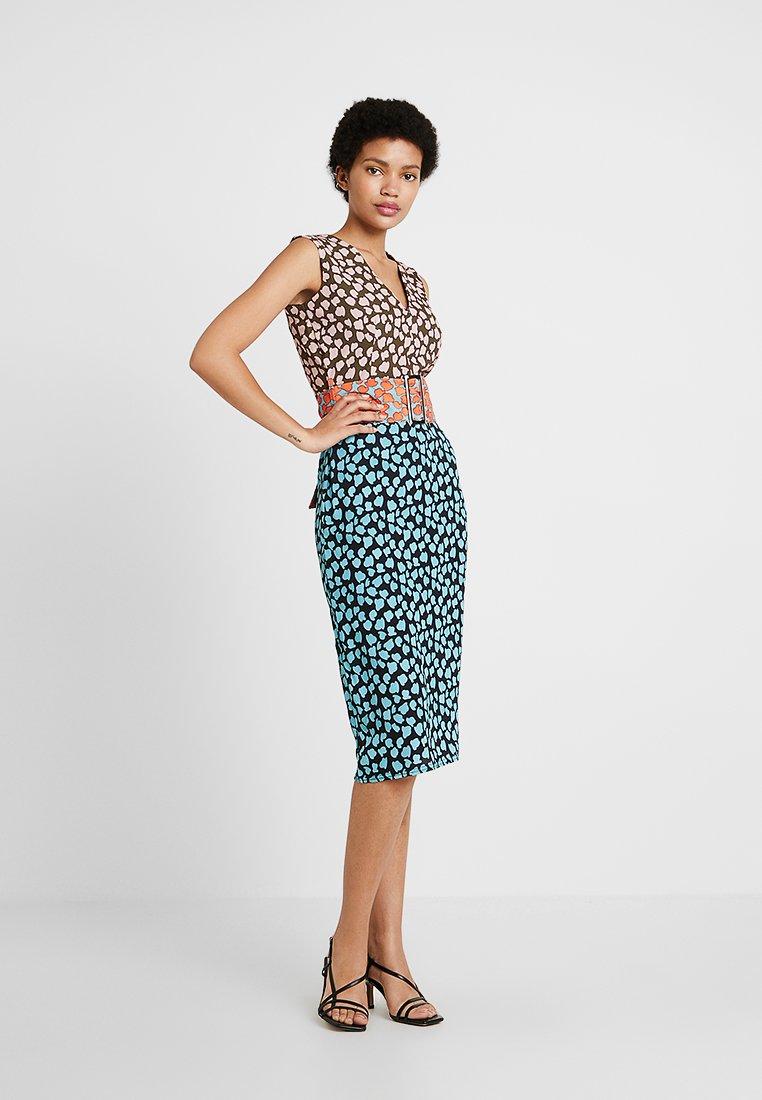 Lost Ink - COLUMN DRESS IN MIX PRINT - Day dress - multi