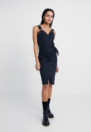 WRAP FRONT MIDI PINNY DRESS - Denimové šaty - washed black