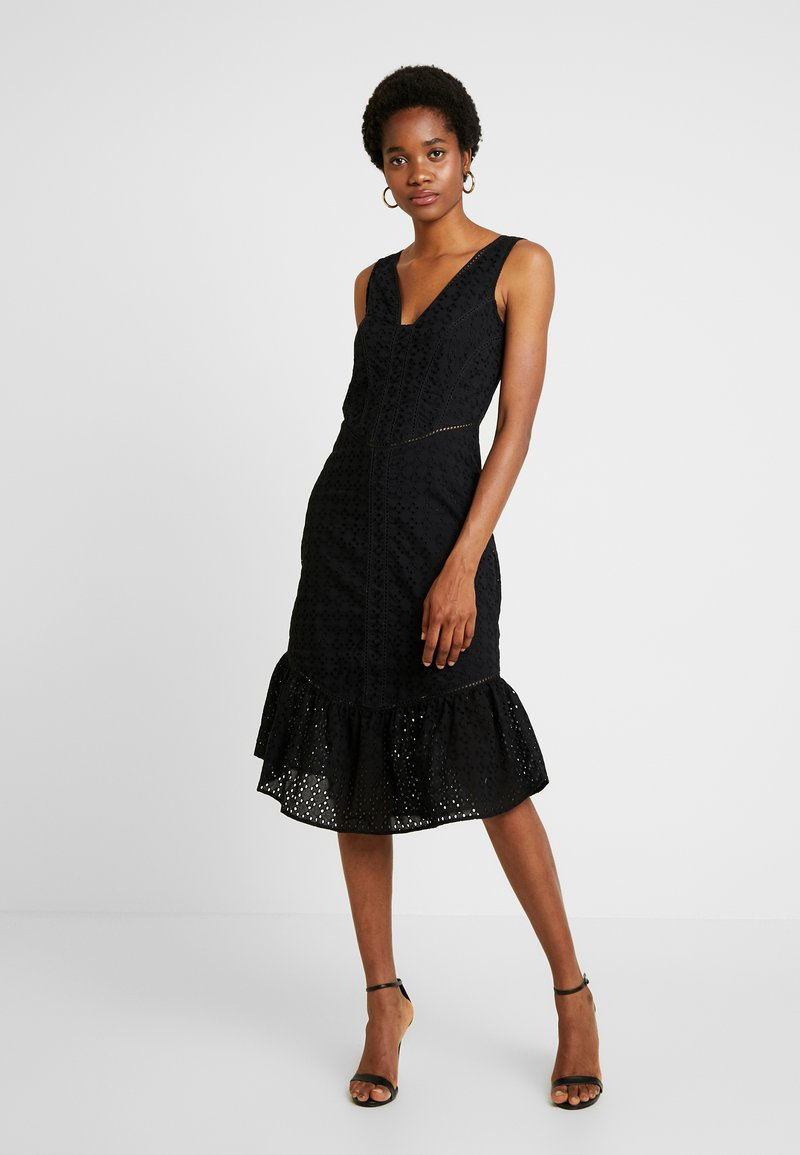 Lost Ink - COLUMN DRESS IN BRODERIE - Cocktailklänning - black
