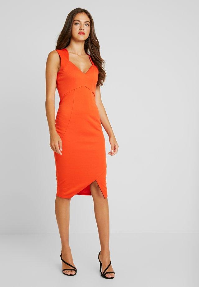 SEAMED DETAIL BODYCON DRESS WITH SPLIT - Sukienka etui - orange