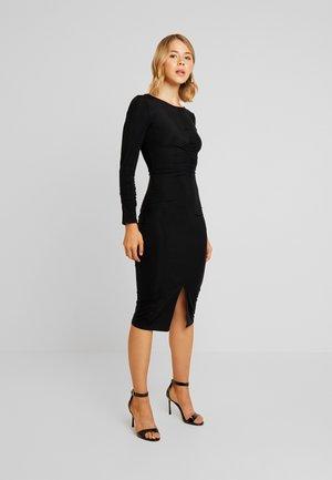 RUCHED FRONT SLINKY BODYCON DRESS - Pouzdrové šaty - black