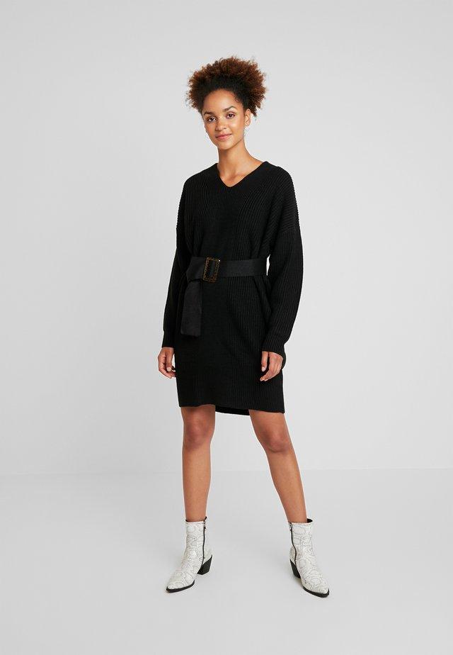 BELTED V NECK DRESS - Strickkleid - black