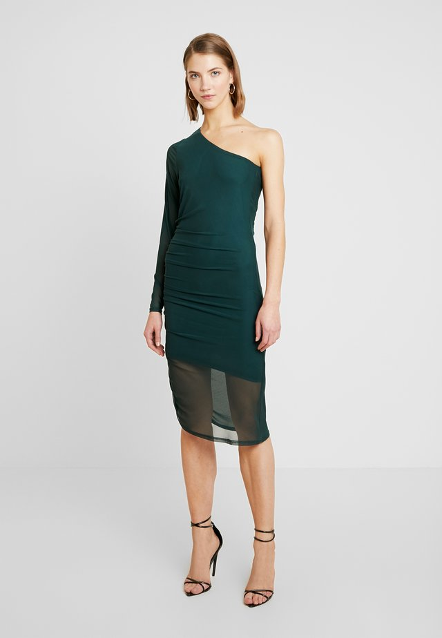 RUCHED SIDE ONE SHOULDER BODYCON DRESS - Sukienka etui - green
