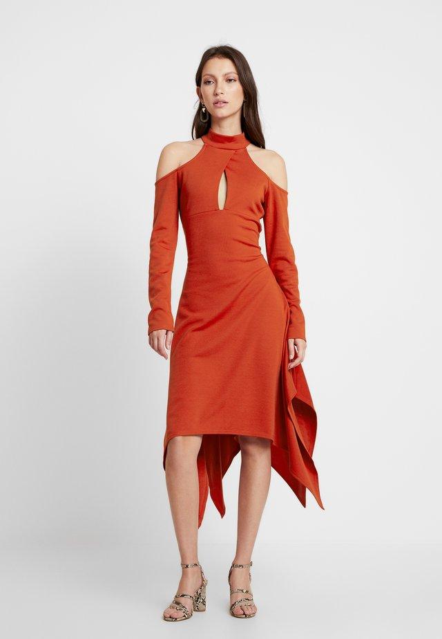 COLD SHOULDER CUT OUT DRESS - Jersey dress - rust