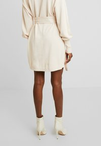 Lost Ink - BELTED BUCKLE WRAP - Cardigan - cream - 4