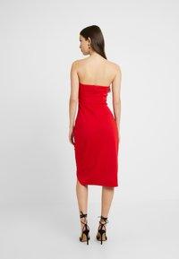 Lost Ink - BANDEAU WRAP DETAIL MIDI DRESS - Koktejlové šaty/ šaty na párty - bright red - 2