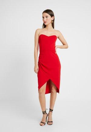 BANDEAU WRAP DETAIL MIDI DRESS - Koktejlové šaty/ šaty na párty - bright red