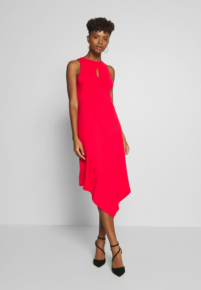 KEYHOLE DETAIL HEM DRESS - Vestito di maglina - red
