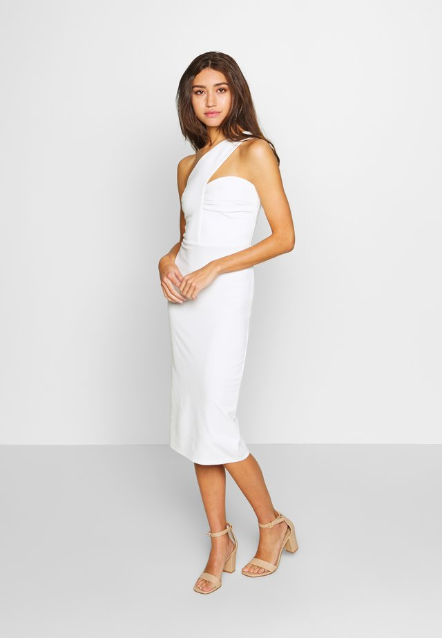 ONE SHOULDER BODYCON DRESS - Pouzdrové šaty - white