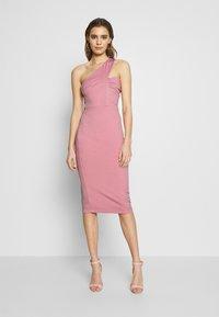 Lost Ink - ONE SHOULDER BODYCON DRESS - Pouzdrové šaty - light pink - 0
