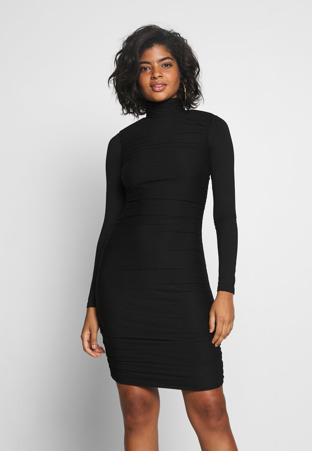 RUCHED DETAIL LONG SLEEVE BODYCON MIDI DRESS - Pouzdrové šaty - black