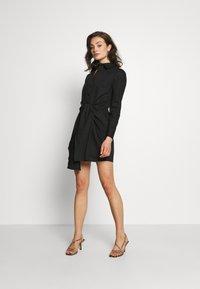 Lost Ink - TIE FRONT DRESS - Košilové šaty - black - 2