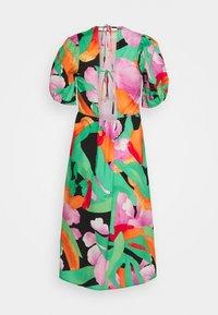 Lost Ink - PUFF SLEEVE OPEN BACK PRINTED MIDI DRESS - Day dress - multi - 1