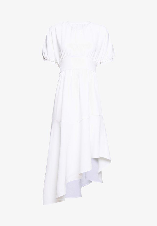 BELTED ASYM HEM  - Jerseykjole - white