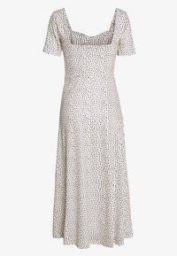 Lost Ink - MONO PRINT FRONT SPLIT SHORT SLEEVE DRESS - Žerzejové šaty - off-white, black - 1