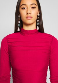 Lost Ink - RUCHED DETAIL LONG SLEEVE - Longsleeve - red - 3