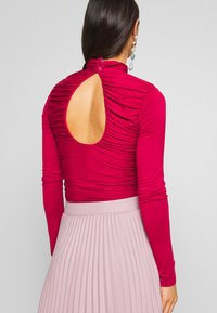 Lost Ink - RUCHED DETAIL LONG SLEEVE - Longsleeve - red - 2