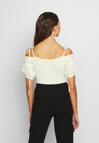 Lost Ink - OFF THE SHOULDER BODY - Bluzka - cream - 2
