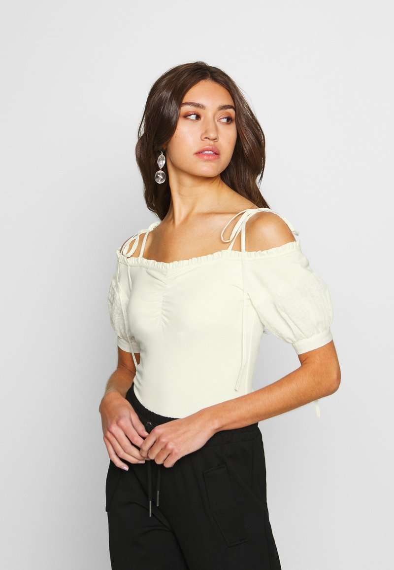Lost Ink - OFF THE SHOULDER BODY - Bluzka - cream