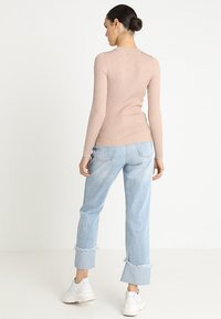 Lost Ink - FRONT CUT OUT - Trui - beige - 2