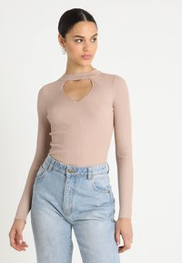 Lost Ink - FRONT CUT OUT - Trui - beige - 0