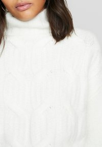 Lost Ink - FUNNEL NECK MIX JUMPER - Strikpullover /Striktrøjer - off white - 4