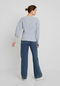 Lost Ink - BALLOON SLEEVE JUMPER - Maglione - light blue - 2