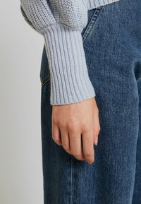 Lost Ink - BALLOON SLEEVE JUMPER - Maglione - light blue - 3