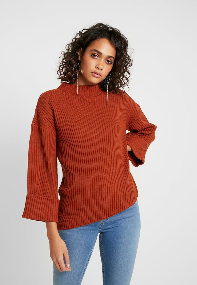 JUMPER - Sweter - rust