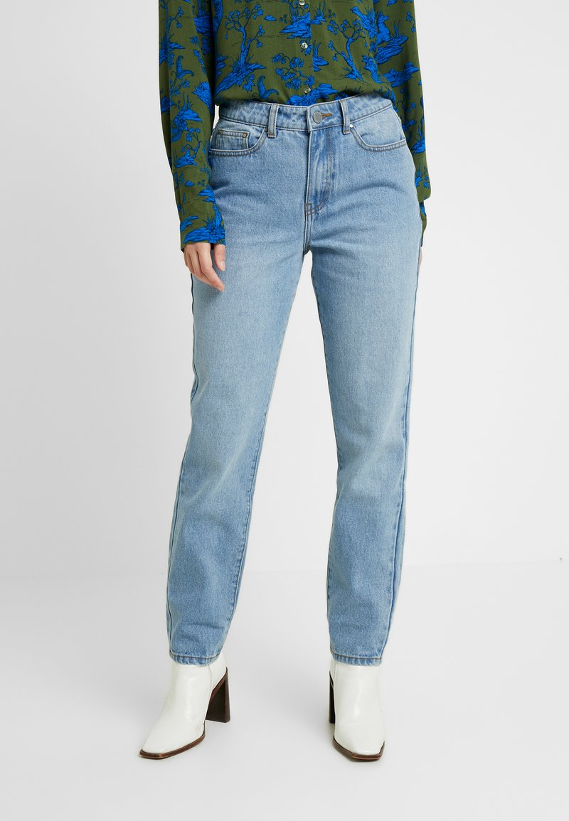Lost Ink - VINTAGE MOM - Relaxed fit jeans - light denim