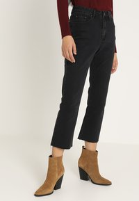 Lost Ink - Flared jeans - washed black - 0