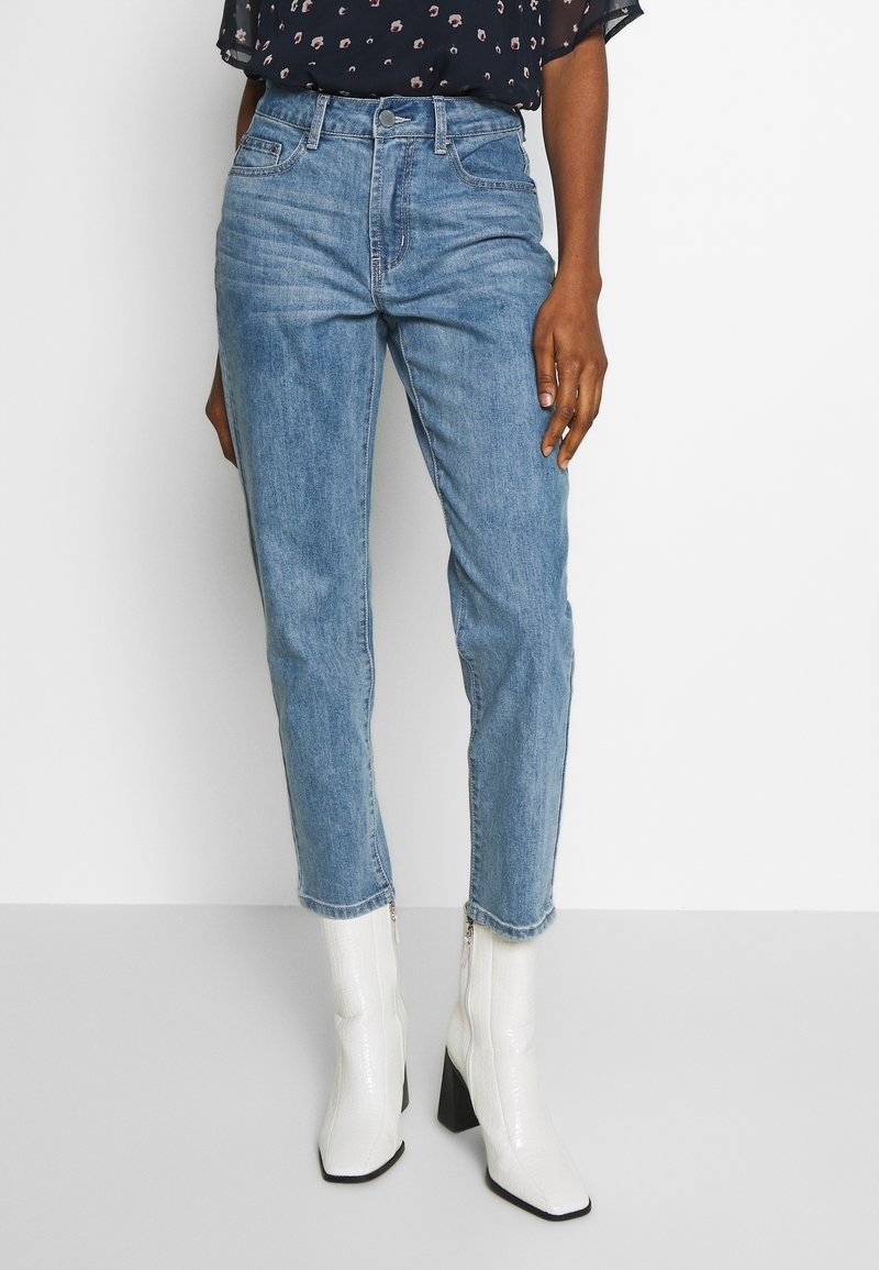 Lost Ink - TOMBOY POWDER WASH - Relaxed fit jeans - light denim
