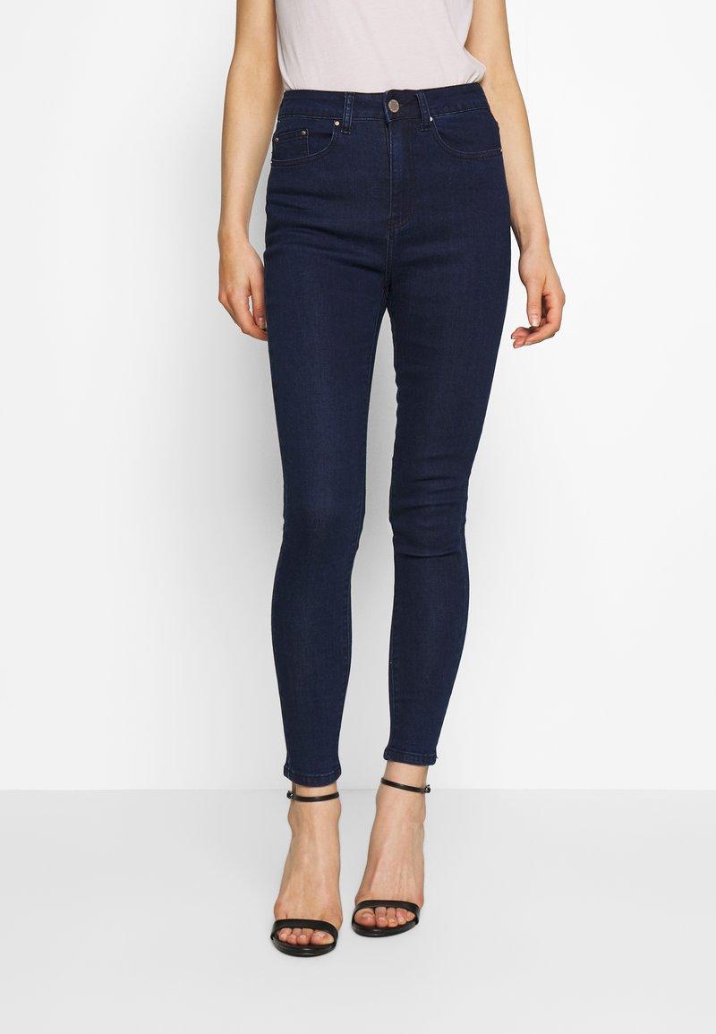 Lost Ink - SUPER HI WAIST PEONY - Jeans Skinny Fit - indigo