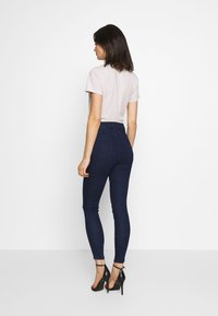 Lost Ink - SUPER HI WAIST PEONY - Jeans Skinny Fit - indigo - 2