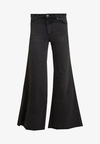 Lost Ink - FLOOD LEG - Flared jeans - washed black - 4