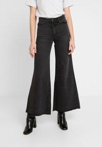 Lost Ink - FLOOD LEG - Flared jeans - washed black - 0
