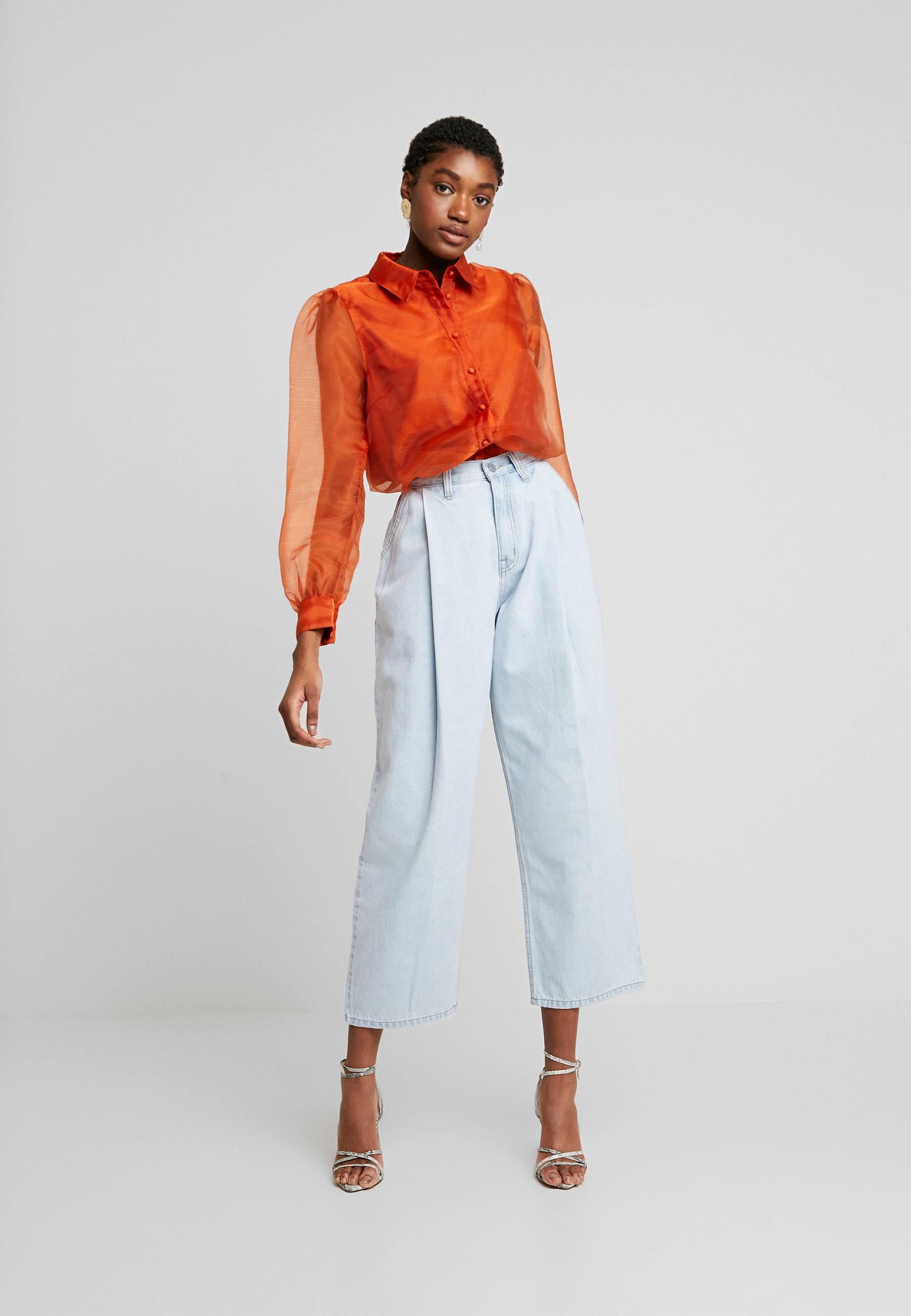 Lost Ink PLEAT FRONT TAPERED WIDE LEG - Jeansy Relaxed Fit - light denim