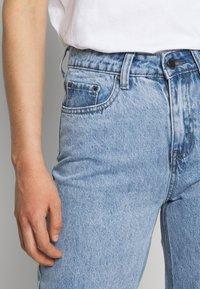 Lost Ink - STRAIGHT WINTER ICE - Straight leg jeans - light denim - 5