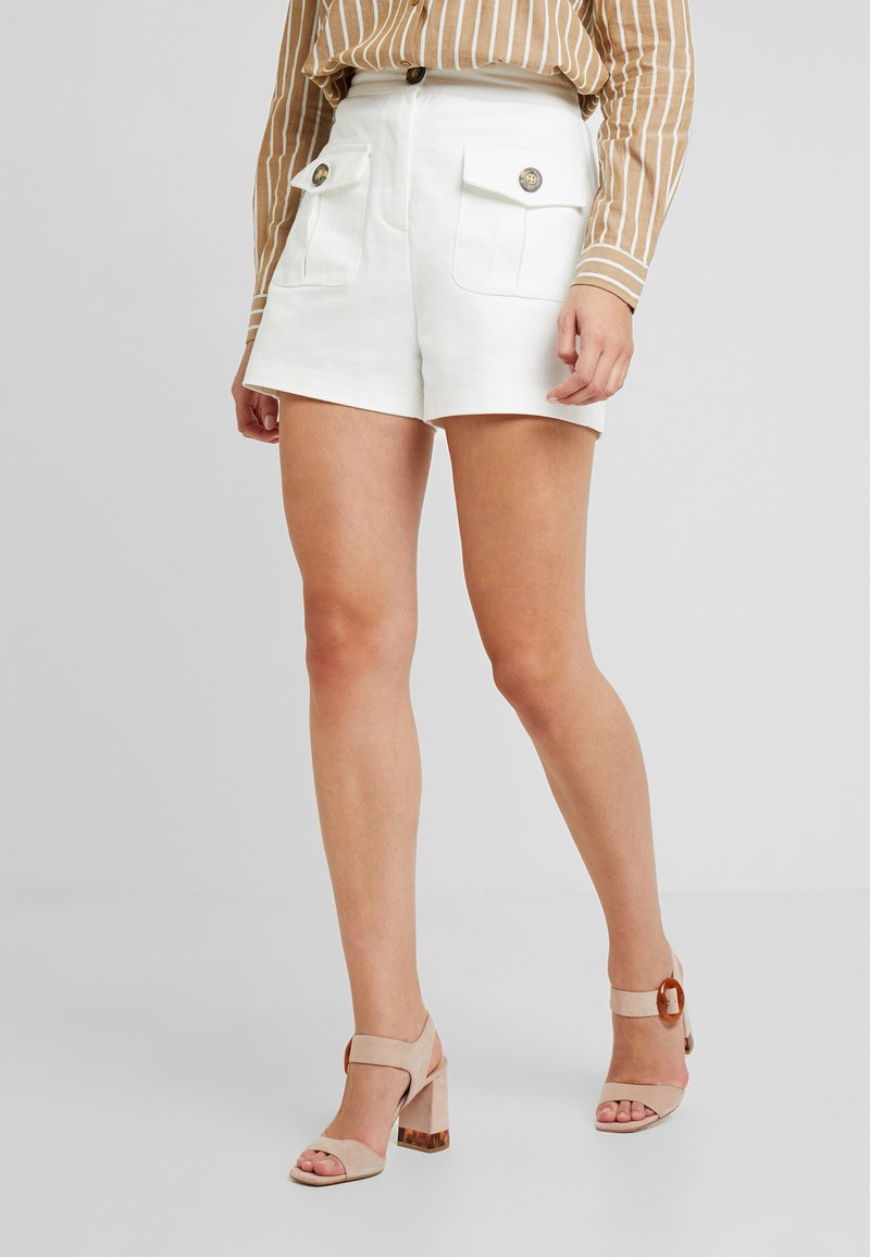Lost Ink - FRONT POCKETS - Shorts - white